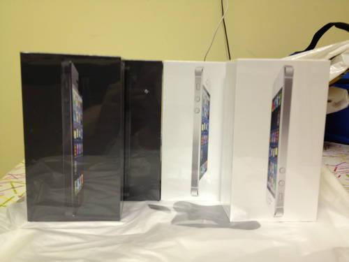 BUY 2 BRAND NEW IPHONE 5 16gb Black/white & GET 1