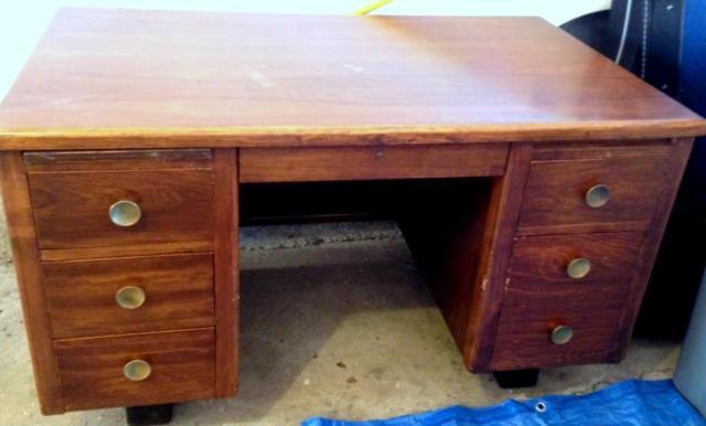 C H E A P Amazing Vintage Solid Walnut Desk Lots Of