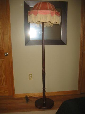 C1900 ORIGINAL FINISH TALL WOOD FLOOR LAMP MADE IN