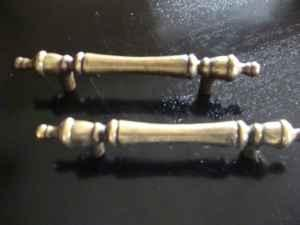 CABINET OR DRAWER HANDLES - $10 (MUNHALL)