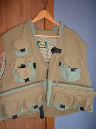 Cablea's Fly Fishing Vest - $25