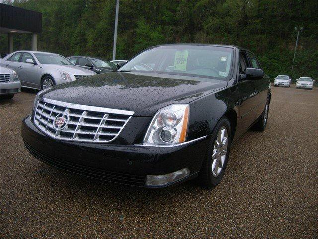 cadillac dts 2010 2010 cadillac dts car for sale in vicksburg ms 4427484077 used cars on. Black Bedroom Furniture Sets. Home Design Ideas