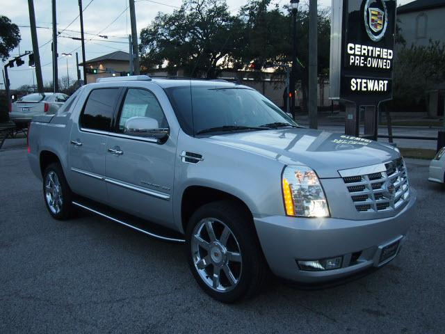 cadillac escalade ext awd luxury 4dr pickup 2013 for sale in houston texas classified. Black Bedroom Furniture Sets. Home Design Ideas