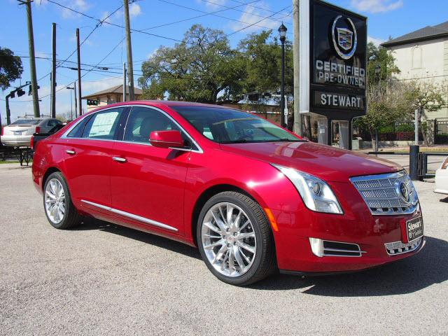 CADILLAC XTS Platinum Collection 4dr Sedan 2013