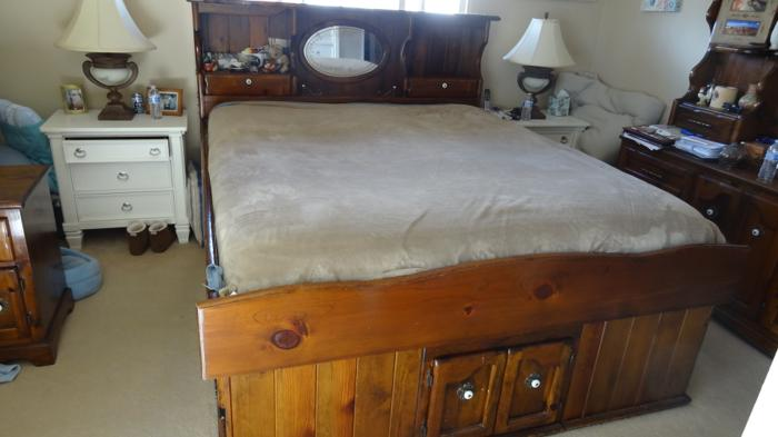king pine water bed set