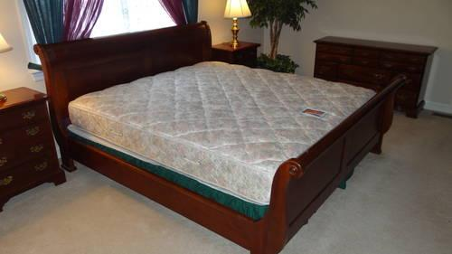California King Sleigh Bed With Cherry Finish For Sale In