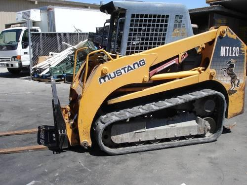 Campact Track Loader - Mustang MTL20 with LOW HOURS - 3