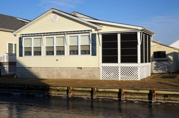 Canal Front Home Just Minutes To The Beach