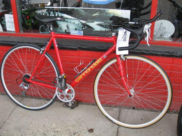 Cannondale R400 Road Bike - 54CM - Red - Made in USA - w/computer - $600  (fenton)