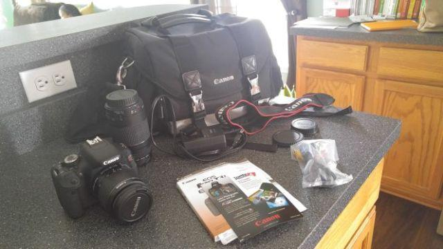 Canon rebel T3i dslr camera with zoom lens