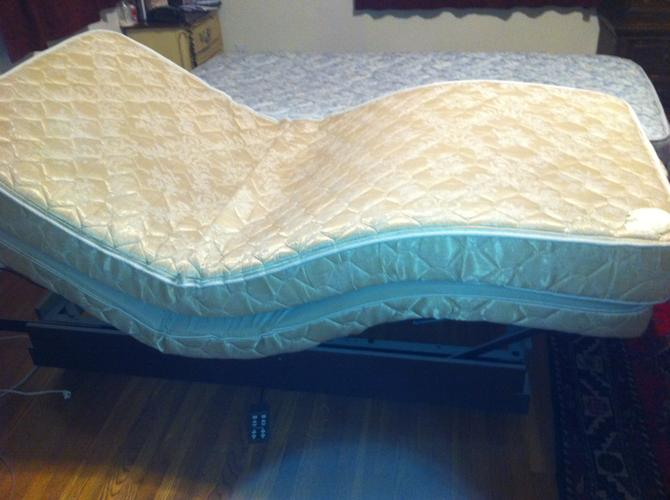 Carftmatic adjustable two x long twin beds maks a king for 2 twin beds for sale
