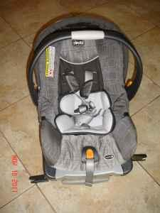 CARSEAT CHICCO KEYFIT30 - $120 (DENVER/CENTENNIAL)