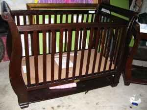 Carters Crib And Changing Table Leander For Sale In