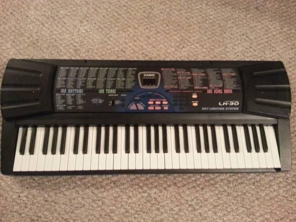 Casio Lk 30 100 Song Light Up Keyboard For Sale In