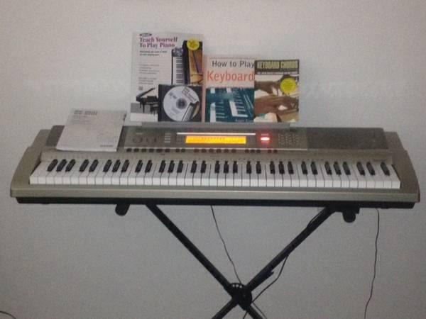 casio WK-200 digital keyboard workstation - $175