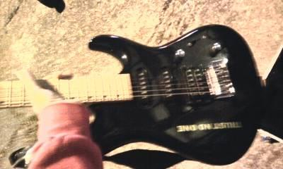 Cc Clark Black Electric Guitar In Peavy Hard Guitar Case That Fits It For Sale In Marvel