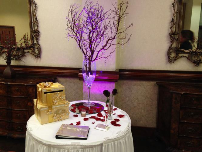 Centerpieces Manzanita Branches With Vase And Hanging Crystals For