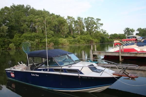 Chaparral xlc 24 39 fishing boat 1985 for sale in geneva for Fishing boats ny