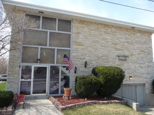 Charming 1 bedroom available now heat included for sale in south milwaukee wisconsin for 1 bedroom apartments in milwaukee