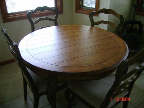 charming country shabby chic round wood dining table w 4 chairs for