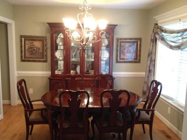 Tabl stuff for sale in angier nc for Cherry dining room set