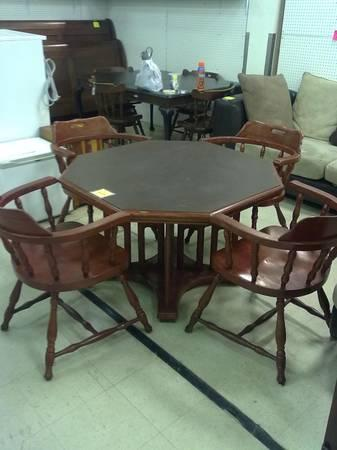 Sale In Louisville Kentucky Cherry Octagon Dining Table 4 Club Captains Chairs