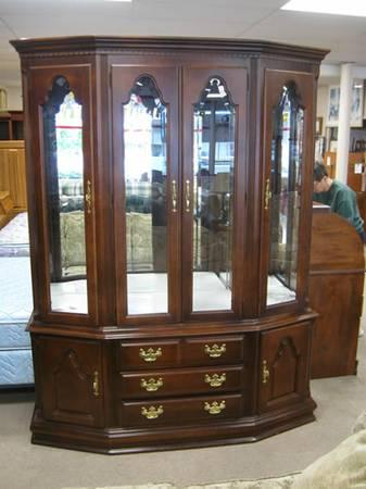 Cherrywood China Cabinet ______(item #4942 For Sale In Ault Field,  Washington
