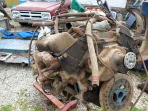 Chevy 350 motor with turbo 350 4x4 tranny - $150