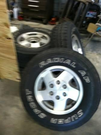 CHEVY K1500 OEM WHEELS AND TIRES - $300