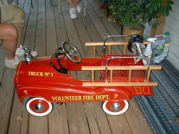 Child's Fire Truck Pedal Car for Sale in Allgood, Alabama Classified