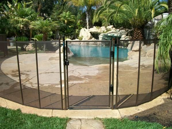 Child safety pool removable mesh fencing in yuba city