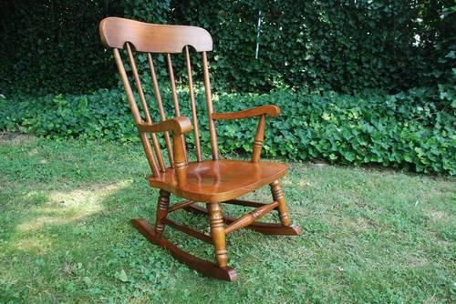 CHILDS SOLID MAPLE ROCKER ROCKING CHAIR VIRGINIA HOUSE