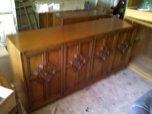 CHINA CABINET PECAN SOLID WOOD 6 foot