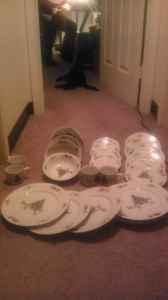 china set missing some pieces hagerstown for sale in martinsburg west virginia classified. Black Bedroom Furniture Sets. Home Design Ideas
