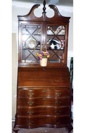 Chippendale Secretary Bookcase Circa 1930s For Sale In