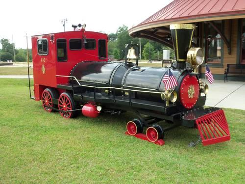 Choo Choo BBQ Custom Train Engine smoker gas Grill-