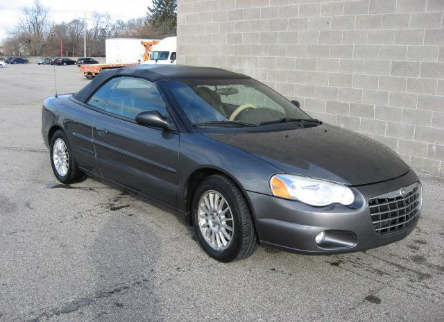 Chrysler convertable toring 2005 (101, Miles)