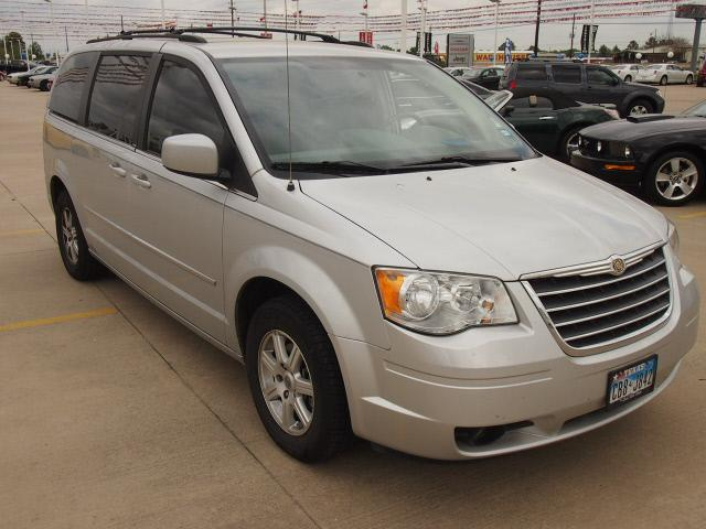 chrysler town and country touring 4dr minivan 2009 for sale in rose hill texas classified. Black Bedroom Furniture Sets. Home Design Ideas