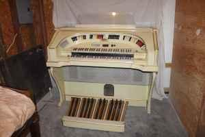Church Organ - $950 (bethel Church 3113 SE Keystone