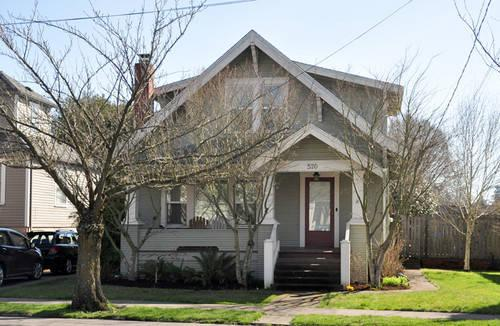 Classic mcminnville home for sale in mcminnville oregon for Classic american homes for sale