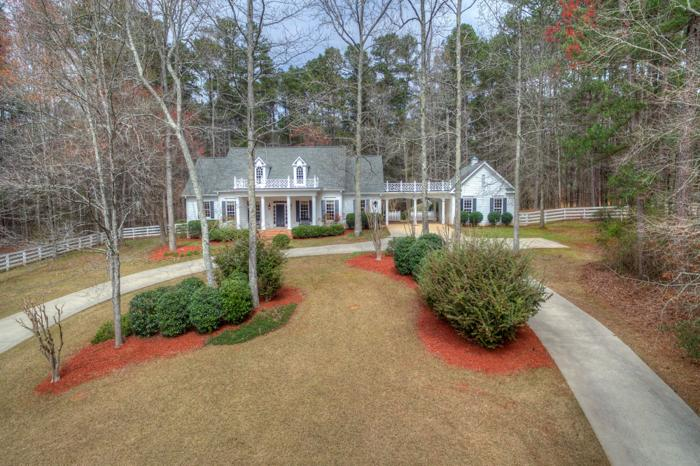 Classic southern home and equestrian farm for sale in for Southern home and ranch