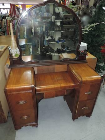 Classic Vanity Dresser Desk And Round Mirror 75 For