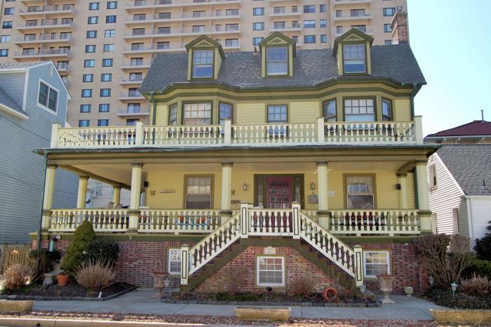 Classic victorian home for sale in ventnor city new for Classic american homes for sale