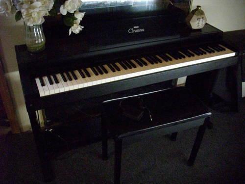 Clavinova digital piano for sale in wabaningo michigan for Yamaha clavinova clp 500