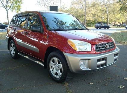 CLEAN TITLE Toyota RAV4 for Sale in Worcester, Massachusetts
