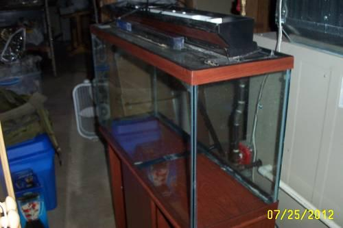 Clean Used 30 Gal Fish Tank With Flu Val 205 Filter Stand