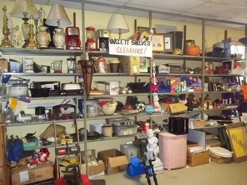 Clearance Sale Many Used Household Items Like A Tag