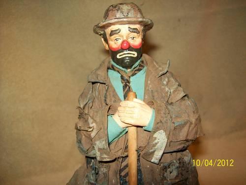 Clown Statue(