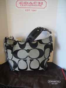 1e5eebde57b1 Coach Purse - (Nazareth) for Sale in Allentown