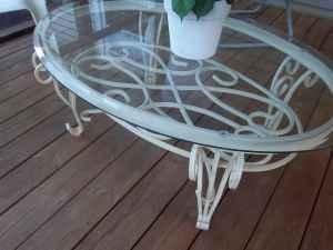 Coffee cocktail table white wrought iron base oval glass for Oval wrought iron coffee table with glass top